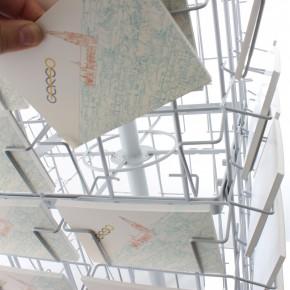 Kartenständer mit 96 Fächern im Querformat A6